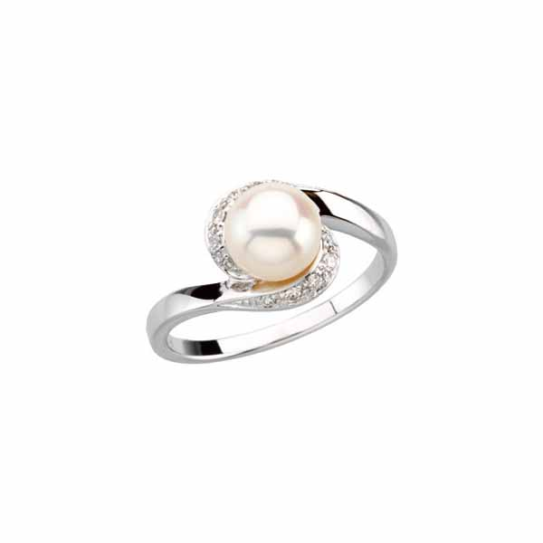 Pearl & Diamond Accented Ring